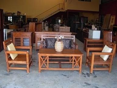 Sofas y sillones de madera for Sillones rusticos de madera